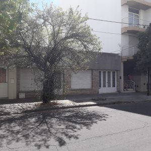 Casa de 3 dormitorios en Venta CASANOVA 230