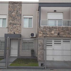 Casa de dos plantas en Venta en Barrio Santa Margarita EDUARDO GONZALEZ 486