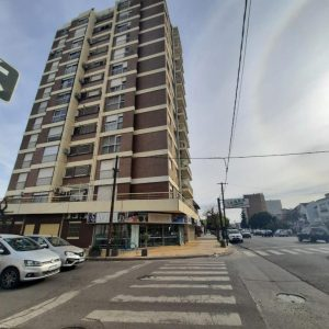 Departamento de 3 dormitorios en Venta AV. ALEM Y CASANOVA